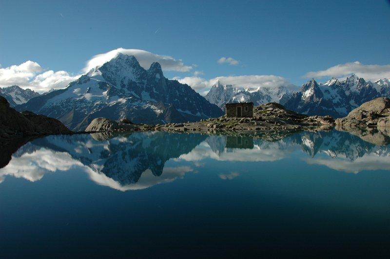 6525833-Tour-du-Mont-Blanc-2011-0