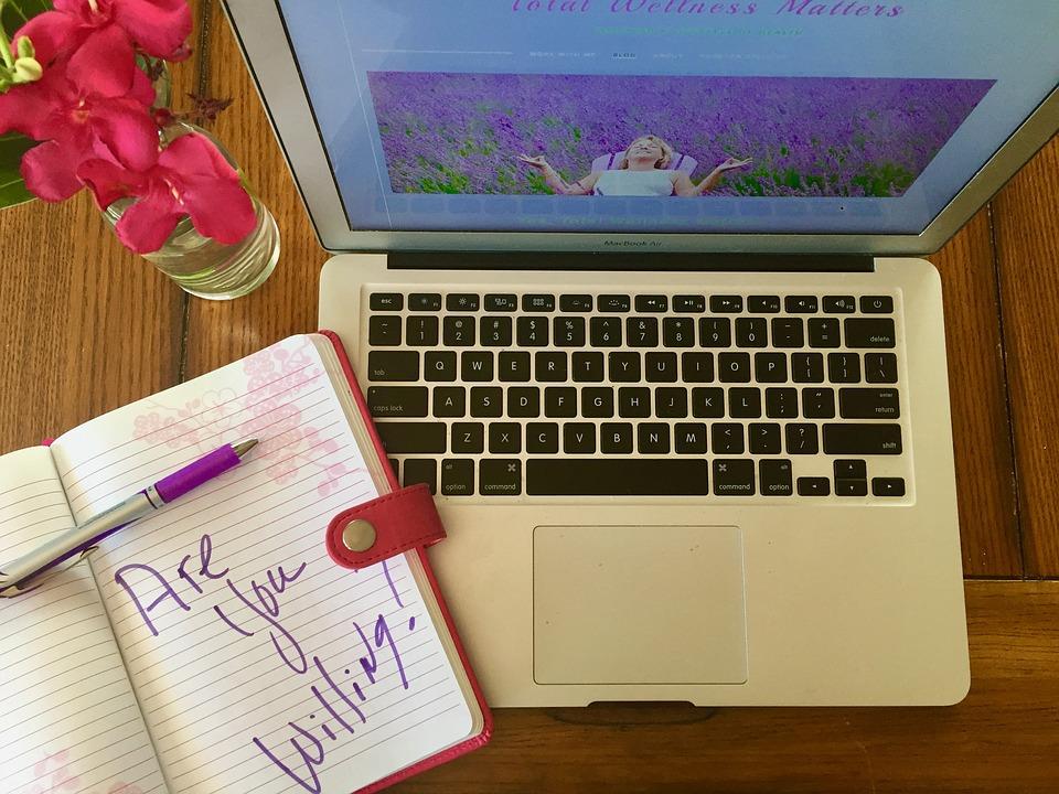 blogging-1805004_960_720