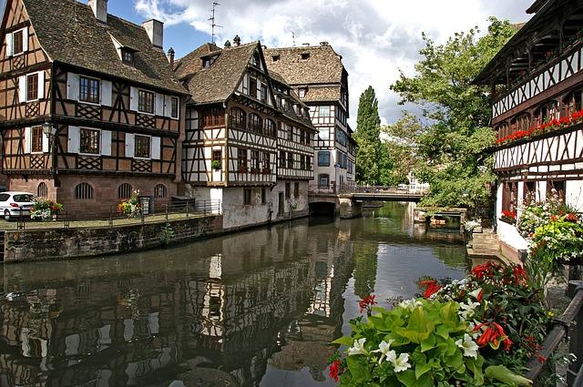 strasbourg-1354439_640