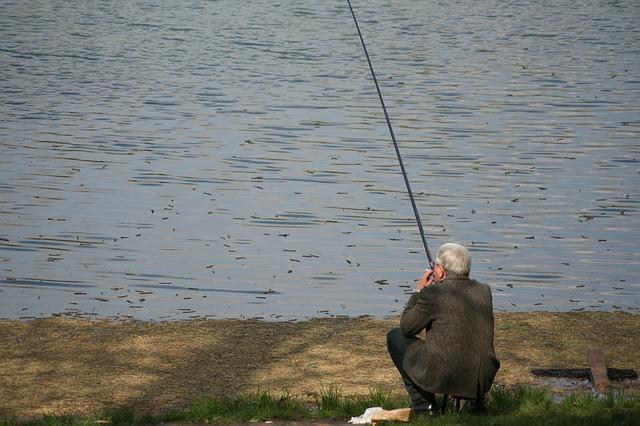 fishing-277475_640