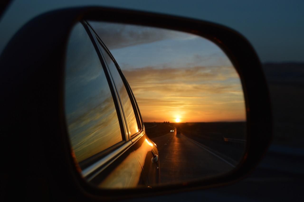 rear-view-mirror-835085_1280