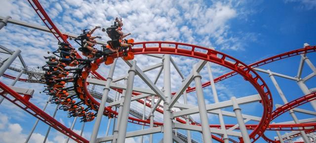 a-roller-coaster-1432388179-vK8o-slide