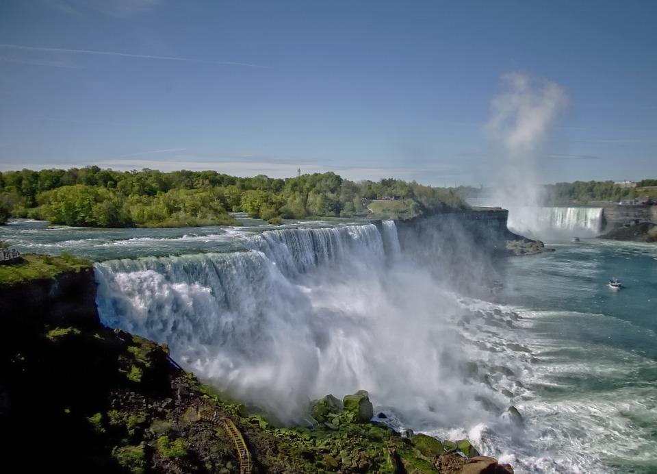 niagara-falls-397831_960_720