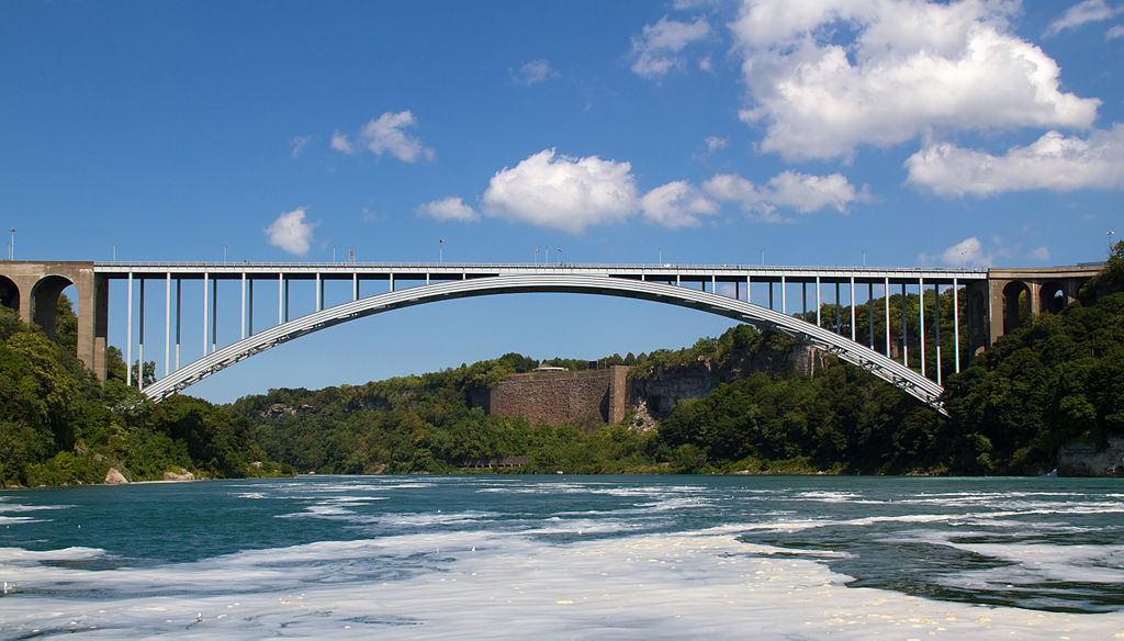 1024px-niagara_bridge_canada